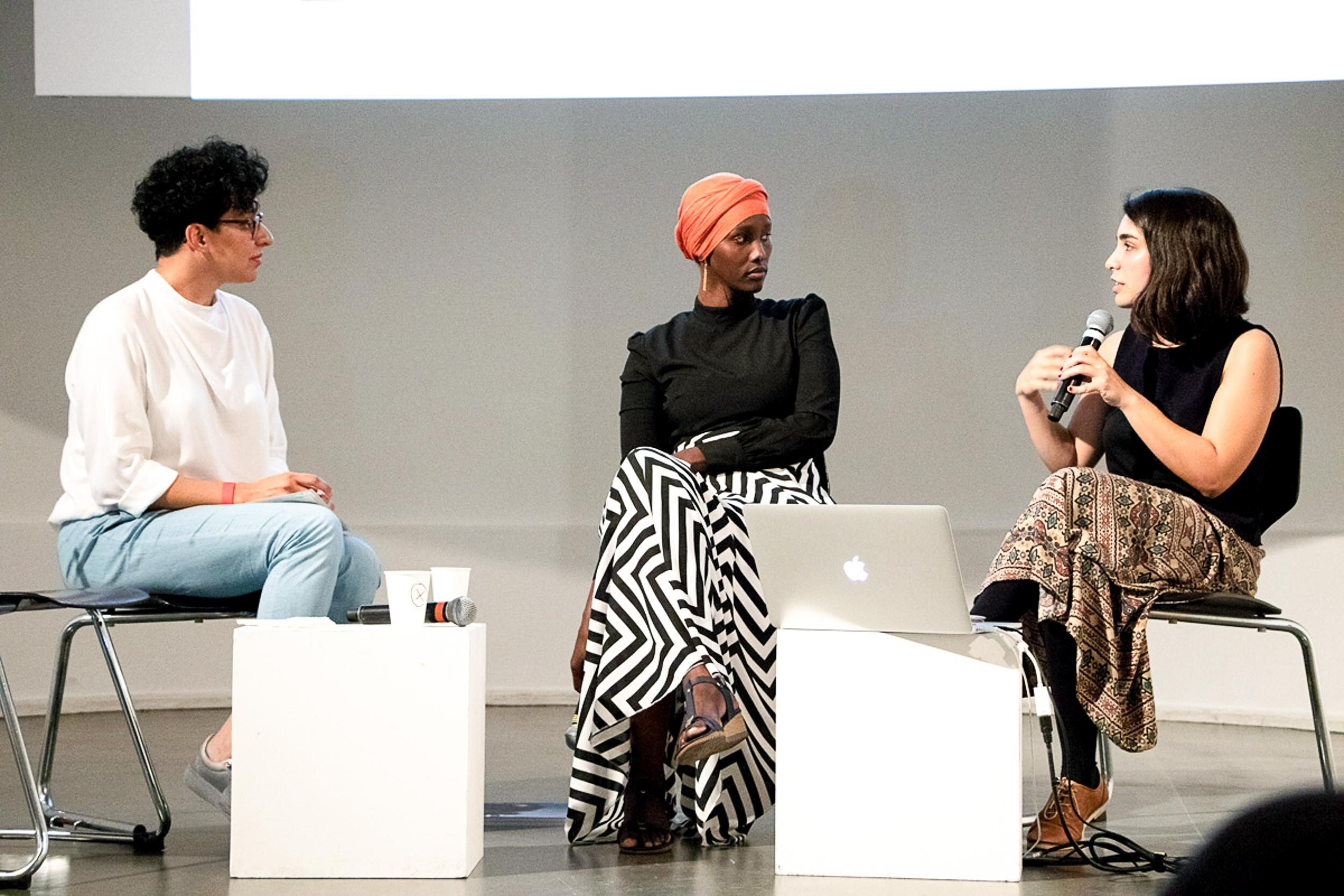 Forum Commoning Berlin. Conversation between Niloufar Tajeri (coop.disco), Fatuma Musa Afrah and Asli Varol (Campus Cosmopolis). Photo: Simone Gilges, © ifa